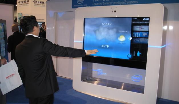 What are the advantages of using digital signage?